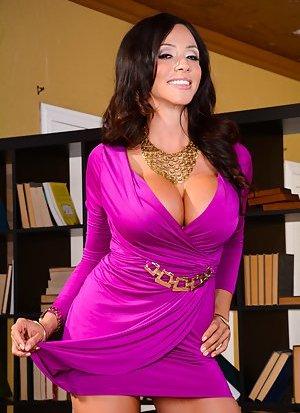 Latina Milf Cougar Pics