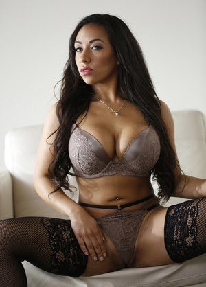 Latina in Stockings Pics