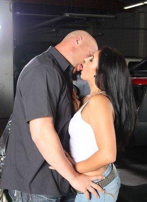 Latina Kiss Pics